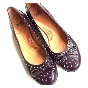 Shoes - Brown leather studded flats